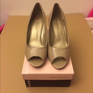 Bandolino heels nude